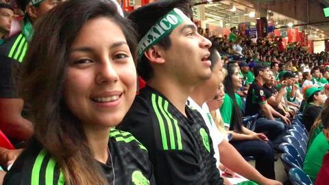 La afición mexicana en Houston llenó el estadio NRG y vibró con el juego...