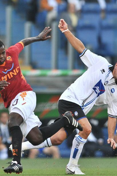 La Roma jugó de local ante el sorprendente Atalanta y logró su primer tr...