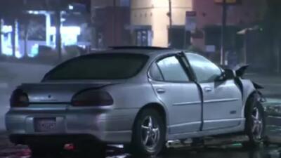 'Área de la Bahía en un Minuto': Persecución termina en un aparatoso choque vehicular en Oakland