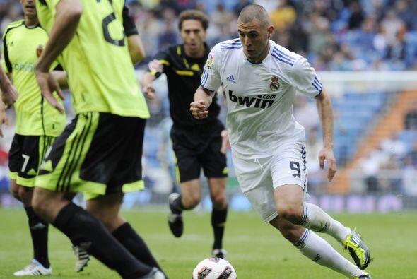 Karim Benzemá salió como titular en el equipo 'merengue' y fue uno de lo...