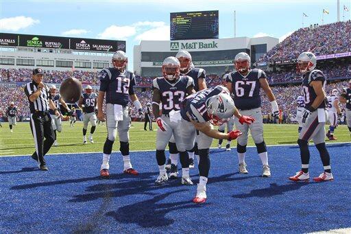 Brady, Edelman y la defensiva de los Patriots brillaron en la victoria d...