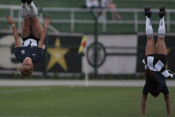 Y otra vueltita, así dan ganas de hacerse aficionado al Corinthians.