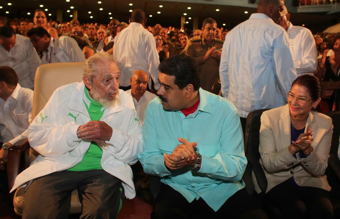Fidel Castro y Nicolás Maduro en la celebración del cumpleaños número 90...