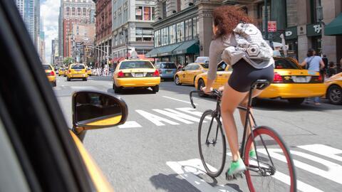 La vida del ciclista urbano no tiene que ser un peligro.