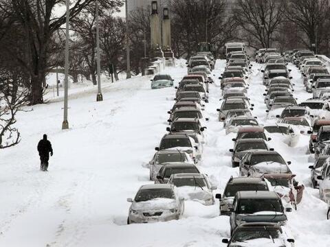 Un país en crisis, otro cubierto de nieve y un nuevo sistema sola...
