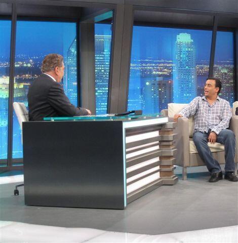 El otro invitado es el  presentador Adal Ramones.