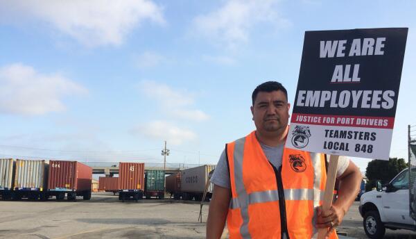José Portillo en una protesta para pedir que la transportista IBT lo ace...