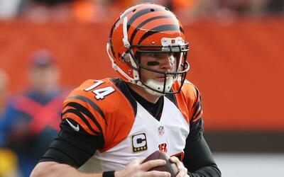Peyton Manning trabaja como novato para impresionar a Gary Kubiak 13-and...