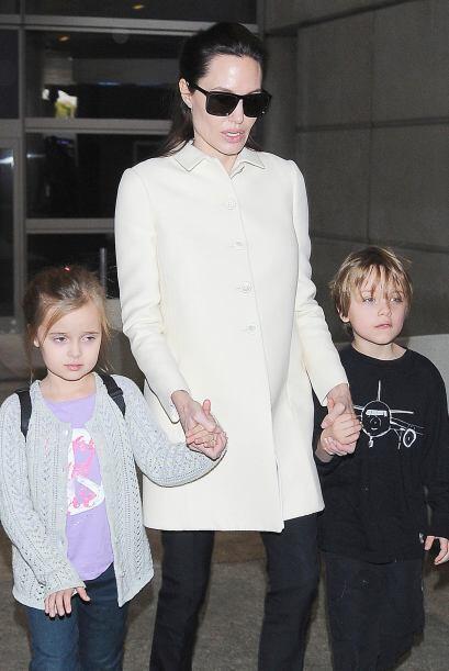 Angelina llevó a los pequeños en uno de sus constantes via...