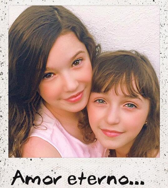Andrea Legarreta e hijas