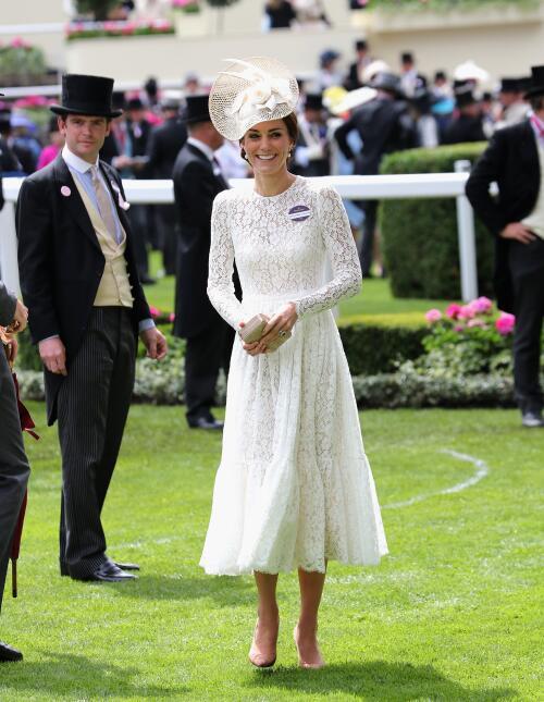 Los 50 mejores vestidos que usó Kate Middleton en 2016 GettyImages-54041...