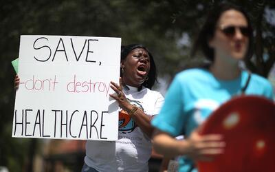 """""""No destruyan la atención de salud, sálvenla"""", e..."""