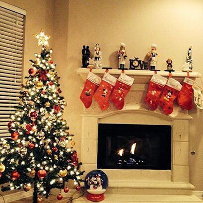 Nuestros locutores ya están listos para la navidad! Ya prepararon su arb...