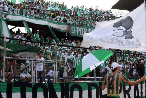 Los aficionados de Atlético Nacional, entre otros homenajes, recordaron...