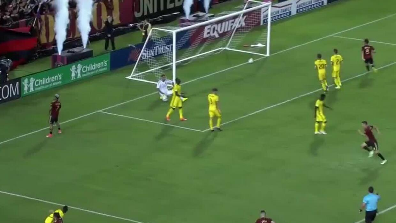 Venezolano Martínez sentencia la victoria de Atlanta United con un zurdazo imparable - Univision