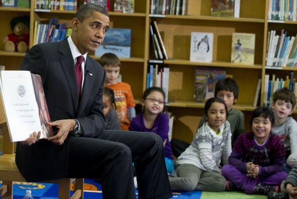 El presidente les leyó partes del clásico 'Era la noche antes de Navidad...