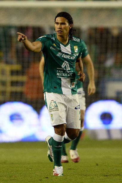 """REVELACI""""N DEL TORNEO  Carlos 'Gullit' Peña  Con 23 años de edad, el med..."""