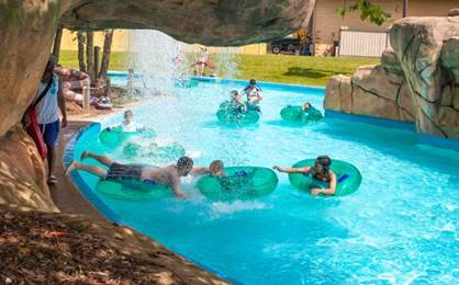 Visita Magic Waters Waterpark ubicado en el 7820 CherryVale North Blvd.,...