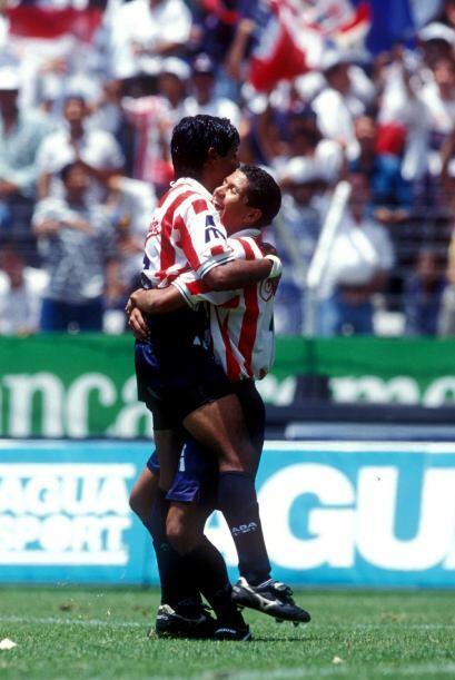Pero fue poco lo que le duró a Chivas el gusto por la victoria, algo más...