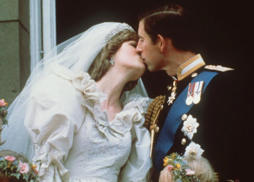 ARCHIVO - En esta foto de archivo del 29 de julio de 1981, el príncipe C...
