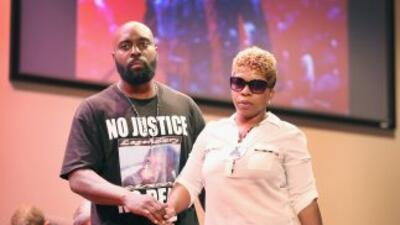 Lesley McSpadden y Michael Brown.