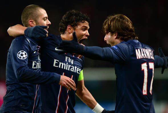 El defensa brasileño Thiago Silva abrió el marcador para los parisinos.