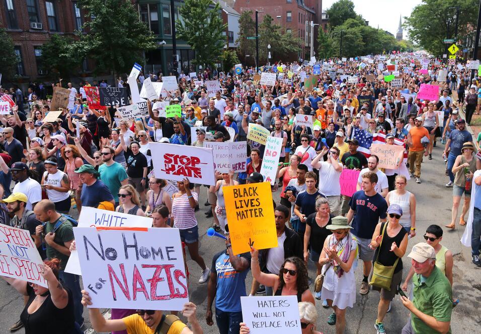 """""""Sin espacio para los nazis"""". La marcha contra el odio superó..."""