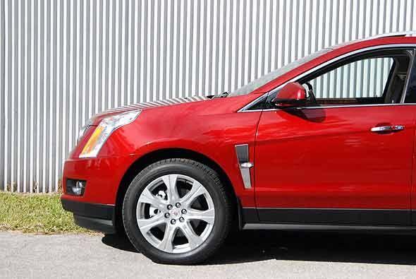La Cadillac SRX es el balance perfecto entre el sedán CTS y la Cadillac...