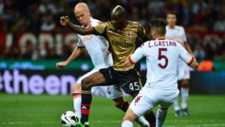 Ni Balotelli pudo abrir la defensa romana.