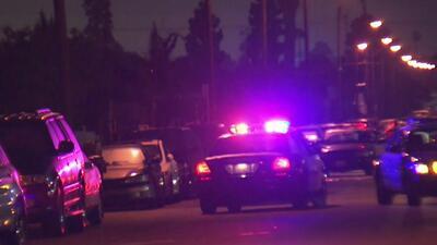 Se entrega a la Policía un hombre que se atrincheró seis horas en el sur de Los Ángeles