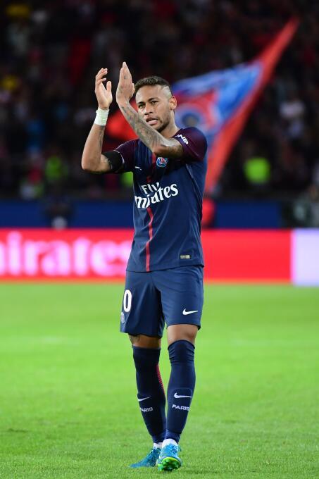 Con un doblete de Neymar, el PSG apabulló al Toulouse GettyImages-835965...