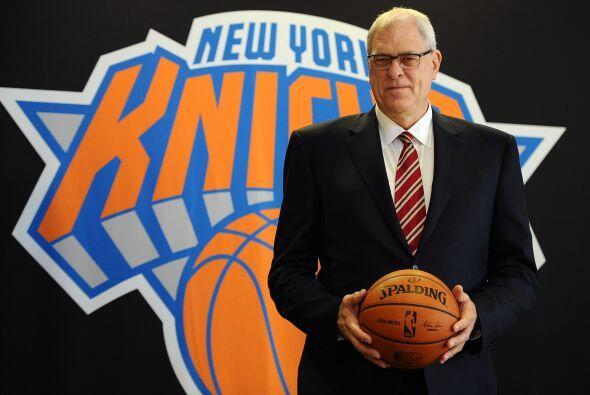 Marzo 17 - Phil Jackson regresa a la NBA. Phil Jackson, cuyo nombre form...