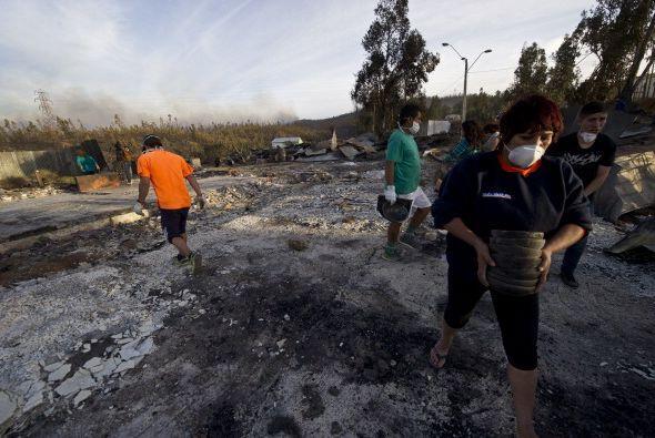 De un momento a otro, miles han perdido sus hogares y ni siquiera tienen...