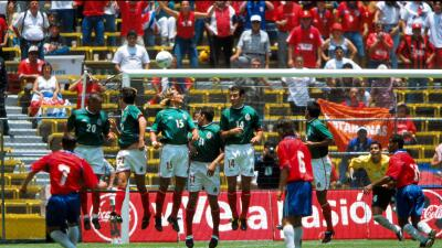 Rolando Fonseca anotó el primer gol de Costa Rica el día del Aztecazo.