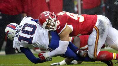 La defensiva de Kansas City limitó a la ofensiva de Buffalo a seis punto...