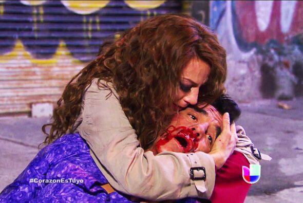 No te culpes Ana, don Doroteo no tiene corazón, lo mandó golpear para ob...
