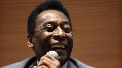 El astro Pelé en cuidados intensivos