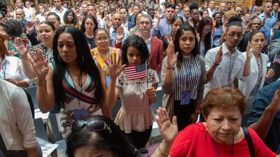 Vienen de 50 países diferentes y hoy se juramentaron 200 nuevos ciudadanos en Nueva York