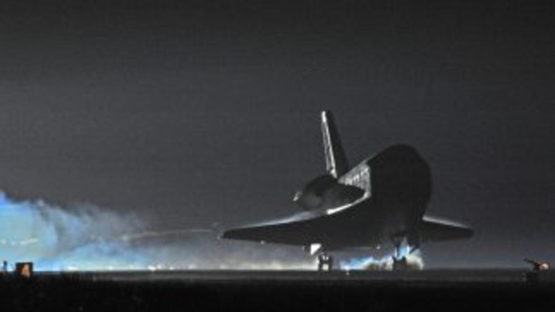 El Endeavour fue encargado a raíz de la explosión del Challenger, y su p...