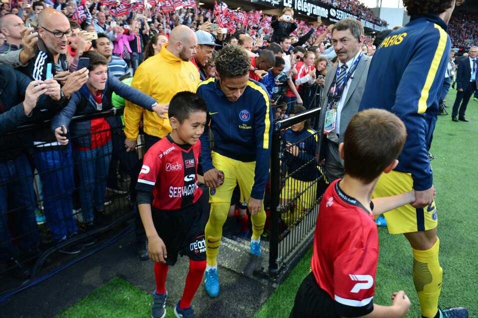 Neymar tuvo debut de ensueño en triunfo del PSG GettyImages-831094244.jpg
