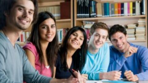 La misión es mejorar el nivel académico de los estudiantes...
