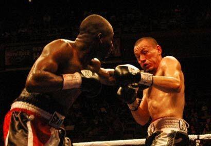 Norberto González terminó la pelea con una ceja partida y vendió cara su...