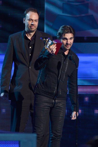 En 2008 Juanes ganó cinco Latin GRAMMY incluyendo Mejor Cantante...