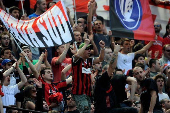 El Milan se quería acercar al título en Italia al recibir...