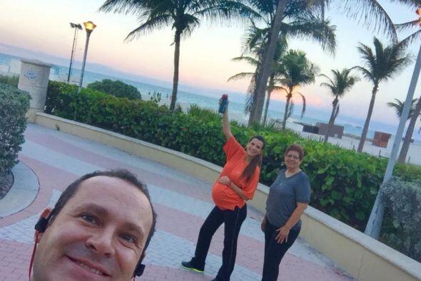 La madre de Cristy viajó desde México para estar presente en el gran mom...