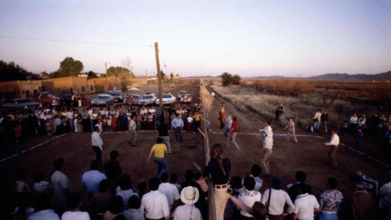 Los primeros partidos de voleibol en la frontera empezaron en 1979 cuand...
