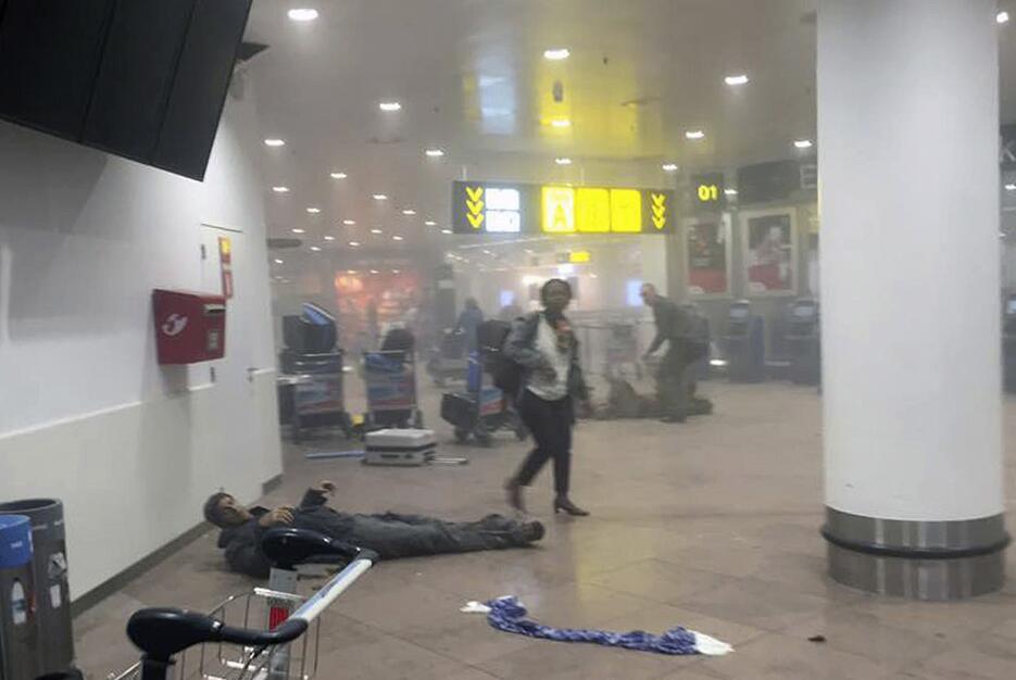 Ataques simultáneos sacuden a Bélgica bruselas16.jpg