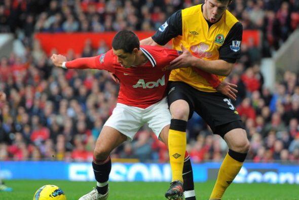 'Chicharito' jugó como titular pero no ptuvo muchas chances.