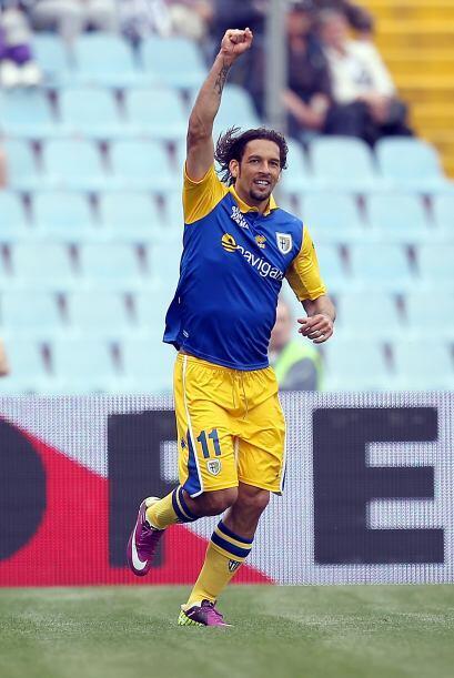 Pese a jugar como visitantes, Amauri marcó dos goles con los que el Parm...
