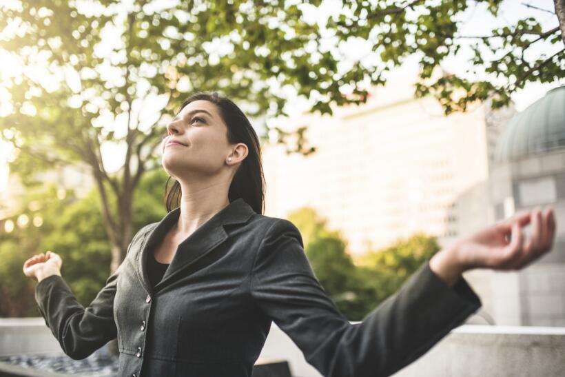 Una técnica recomendada para elevar la autoestima son las afirmaciones,...